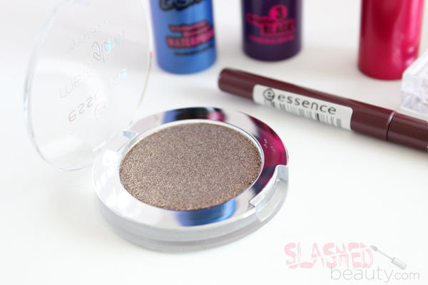 REVIEW: Essence Summer 2014 Collection- Metal Glam in Chocolate Jewelry