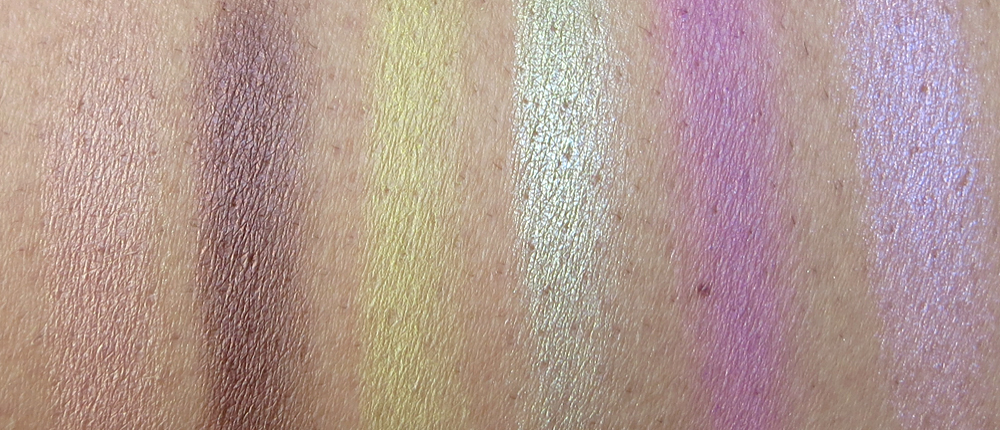 32 Color Lip Palette by Crown Brush #12