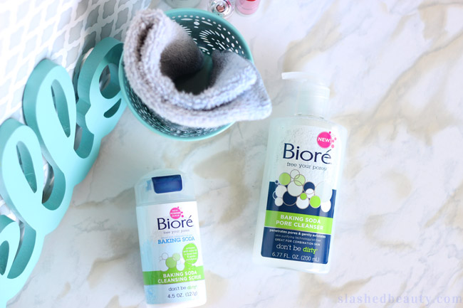 Baking soda is the new it-ingredient for skin care... especially for combo skin! Learn more about its benefits and the new Bioré Baking Soda Cleansers. | Slashed Beauty