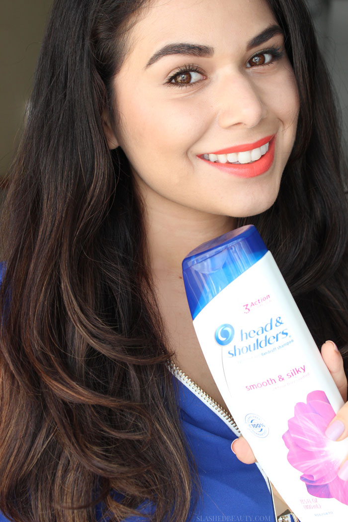 You don't need to compromise beautiful hair when you need to treat dandruff. My new favorite daily dandruff shampoo goes to Head & Shoulders Tri-Action Formula, which cleans, protects and moisturizes while treating flakes. See a before/after! | Slashed Beauty