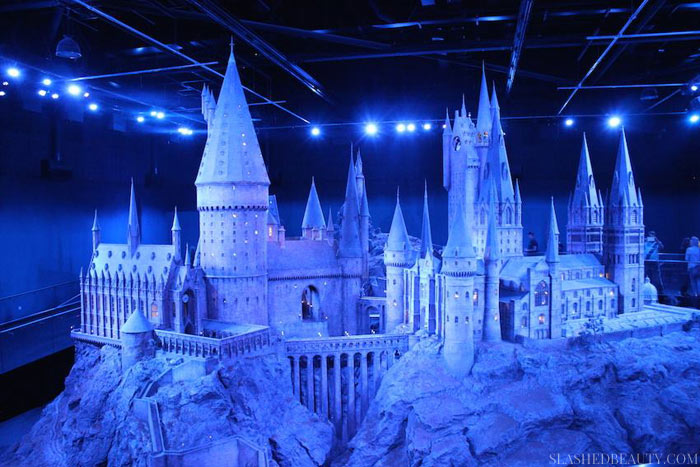 HARRY POTTER M-- USEUM LONDON TIPS | Visiting London doesn't have to cost an arm and a leg. Learn how to Vacation to London on a budget while seeing all the famous sights with these tips from experience! | Slashed Beauty