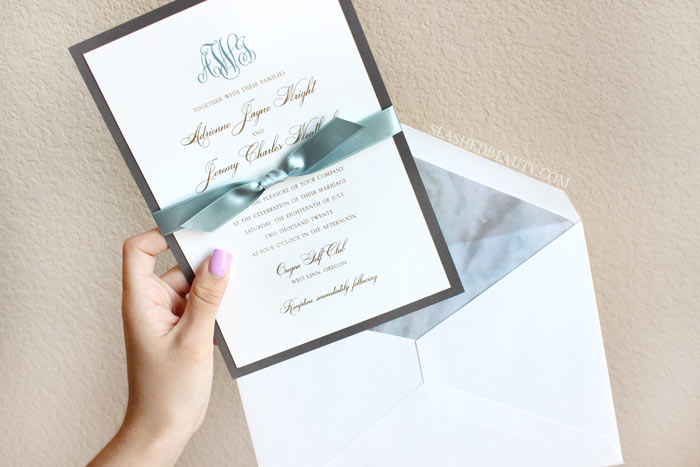 Have you found yourself at a stand-still in wedding planning? Here are five easy tasks to get you out of a wedding planning lull. | Slashed Beauty