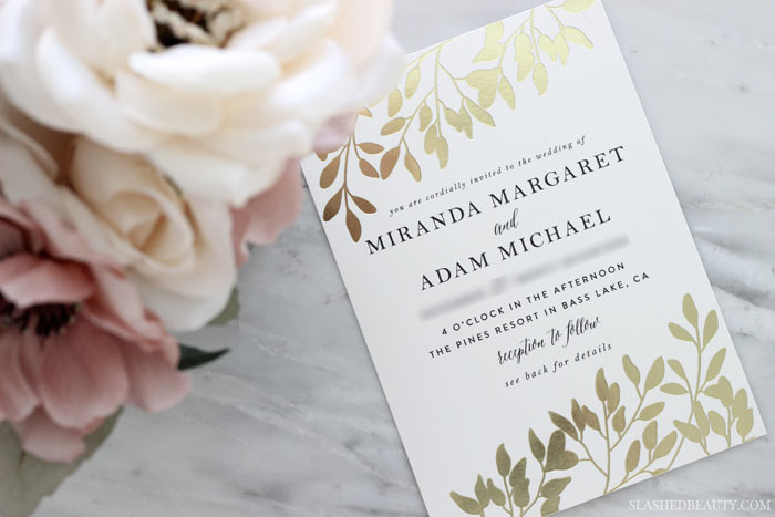 These gold foil wedding invites from Minted are the perfect balance of modern and classic. Take a closer look & learn an invite hack so people don't bring extra guests to your wedding! | Slashed Beauty