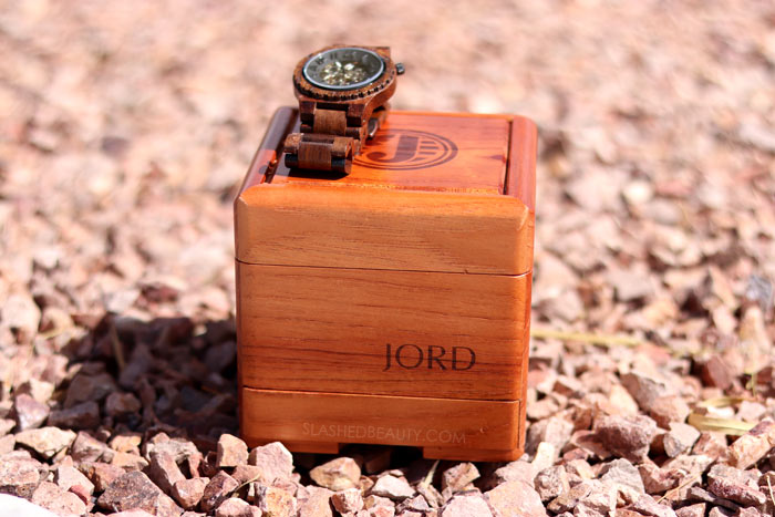 Men's Fashion: My husband is loving his unique JORD wooden watch to dress up every outfit. See why it makes a great men's style staple. | Slashed Beauty