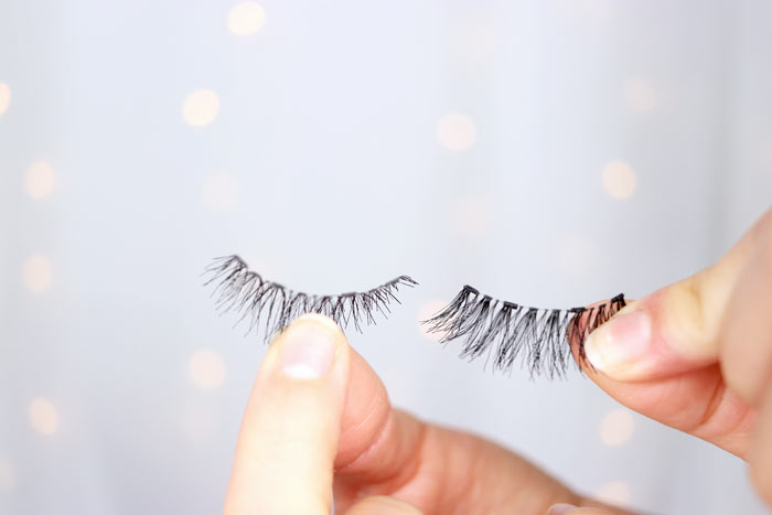 Take a closer look at the new Ardell Magnetic Lashes-- do they actually work? Watch the review and try on video. | Slashed Beauty