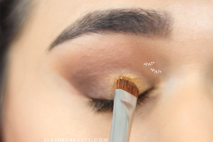 How to make metallic eyeshadow pop: These eye makeup hacks will help fix mistakes and help you avoid starting from scratch. Watch the hack video! | Slashed Beauty