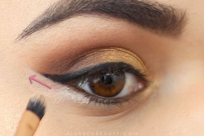 How to even out winged liner: These eye makeup hacks will help fix mistakes and help you avoid starting from scratch. Watch the hack video!   Slashed Beauty