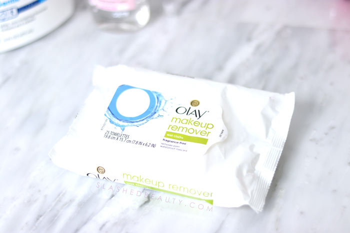 Best drugstore makeup wipes: This is my (mostly drugstore) skin care routine for acne combo skin that has been working for spring and summer weather in a dry climate! | Slashed Beauty