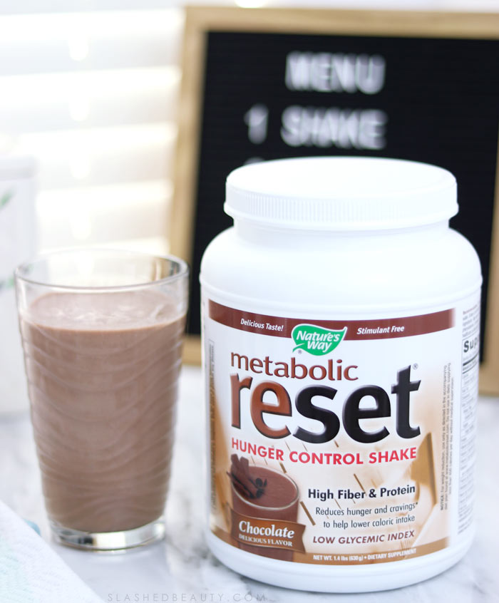 The Nature's Way Metabolic Reset Hunger Control Shake is how I control hunger after workouts and exercising. Read the review and how it works. | Slashed Beauty