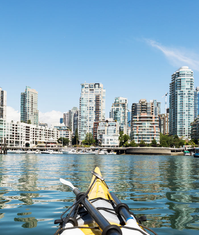 Cheap Things to Do in Vancouver: Rent a Kayak in Granville Island and Paddle through False Creek | The Ultimate Budget Travel Guide to Vancouver | Slashed Beauty