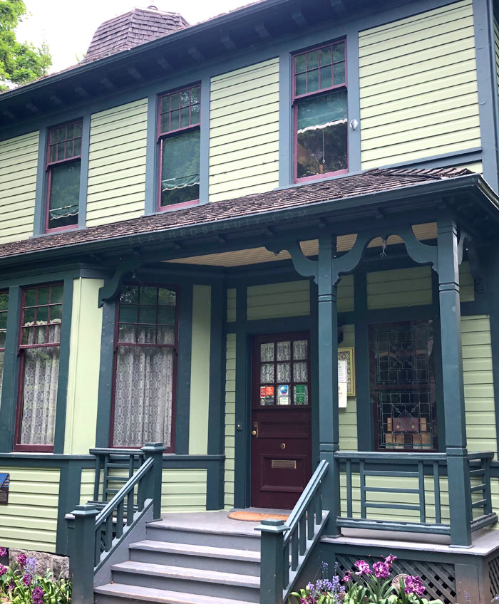 Travel Itinerary: 3 Days in Vancouver | Roedde House Museum | Slashed Beauty