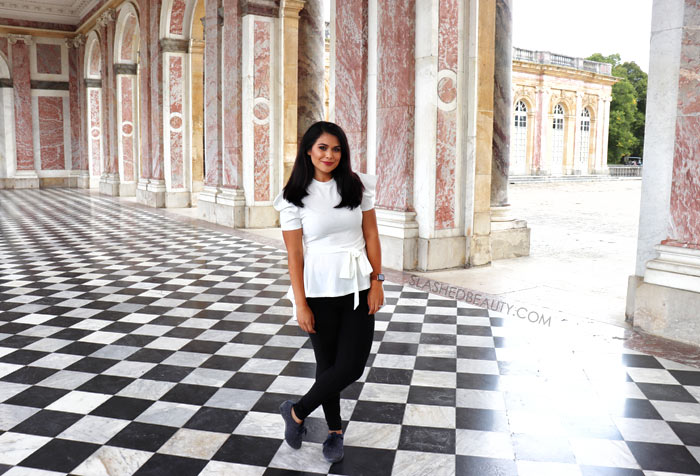 What to Wear in Paris in September: Vacation Outfits | Paris Outfit Ideas | What to Wear to Versailles | Slashed Beauty